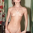 Skinny Doris Ivy may be the sexiest girl in the world - image