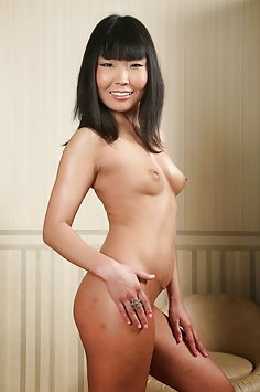 Skinny chinese nude chick casting pics