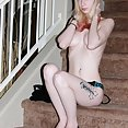 Pendulous tits on Goth babe Hexanne - image